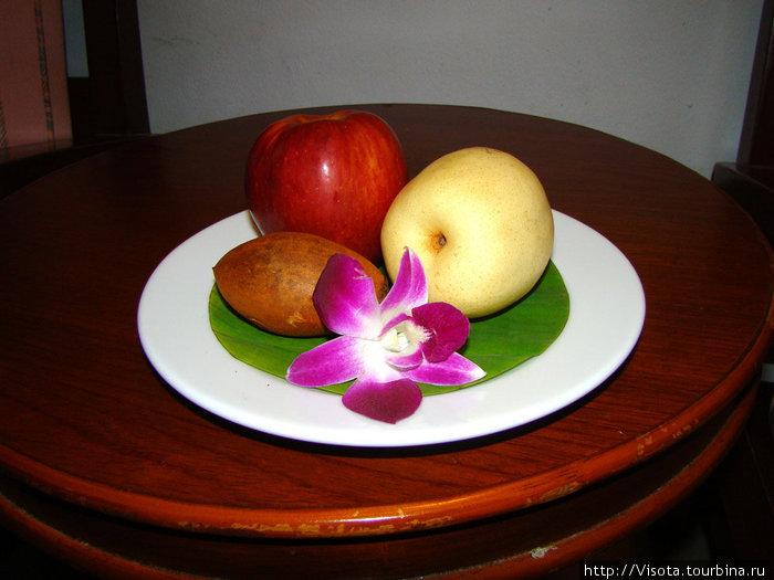 фрукты при заезде в номер