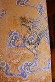 Столбы дворцов и гробниц украшены драконами