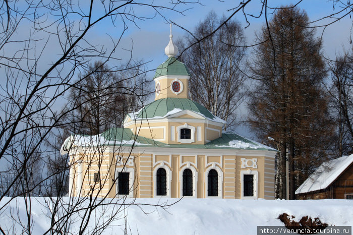 Часовня рядом с домом Римских-Корсаковых.