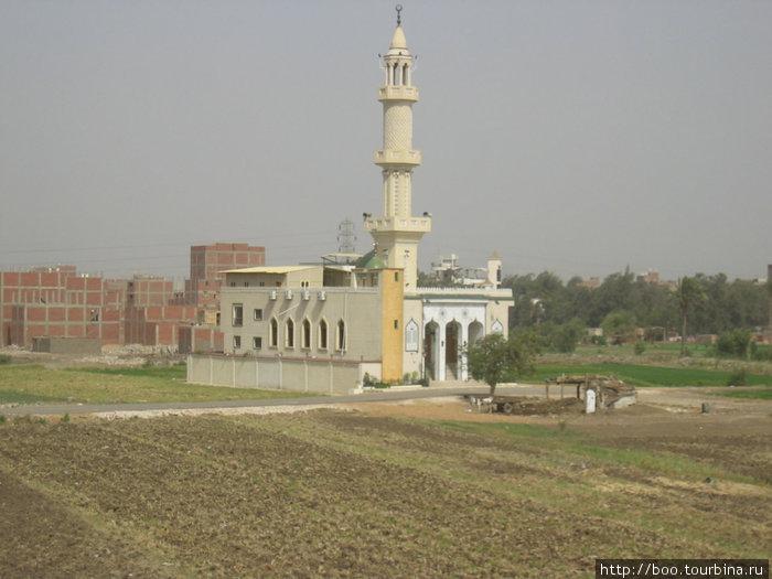 мечеть на окраине района