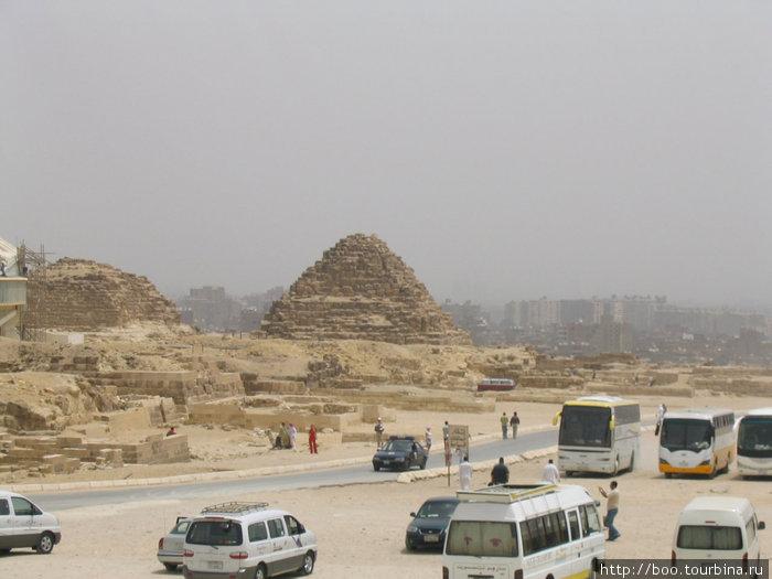 а это — тоже пирамиды
