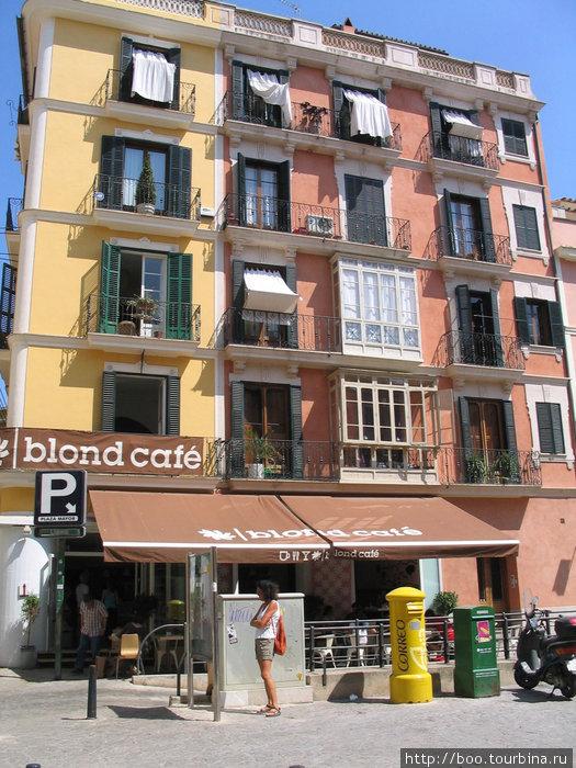 есть и кафе для блондинок :)