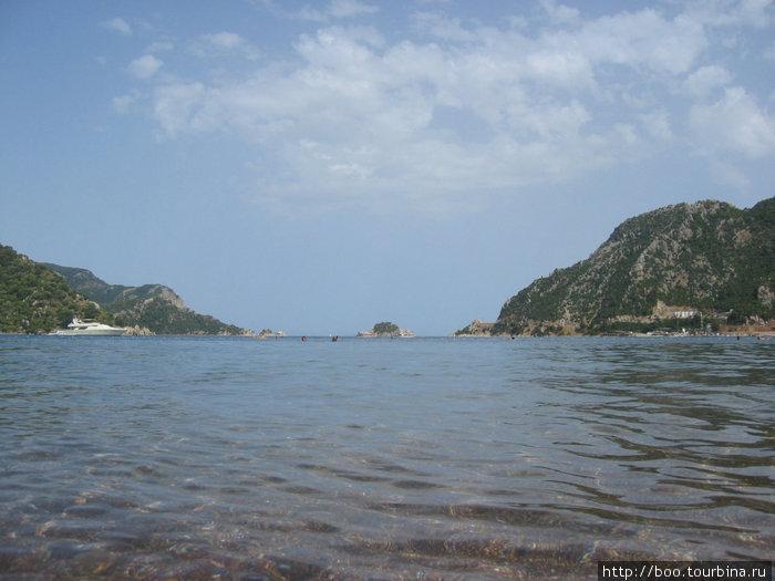 в Ичмелере море прохладное и прозрачное