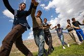 На полянках люди водят хороводы, устраивают пикники. Иракцы очень любят пикники и устраивают их при любой возможности.
