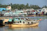 Лодки и дома в Тяудоке
