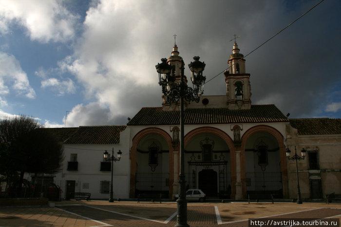 церковь в Ла Карлоте