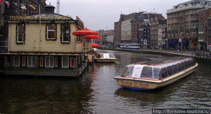 Ещё одна альтернатива — экскурсия по каналам города.