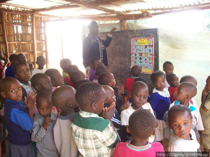 Дети из приюта разительно отличаются от деревенских