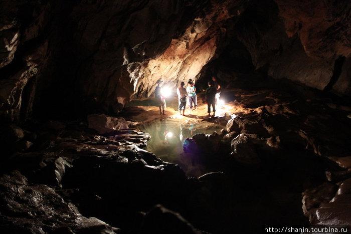 Туристы в Великой пещере
