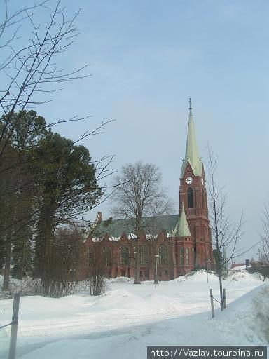 Собор в снегу