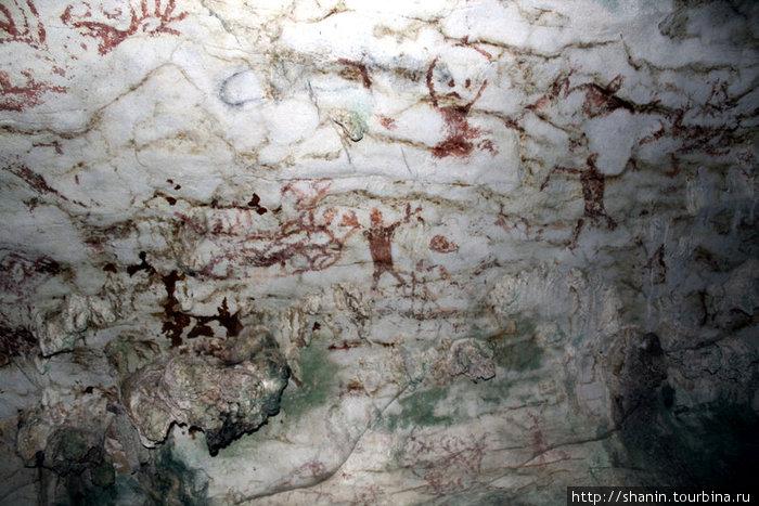 Рисунки на стене пещеры