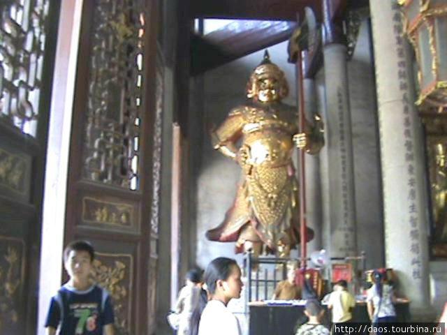 Божество центрального храма