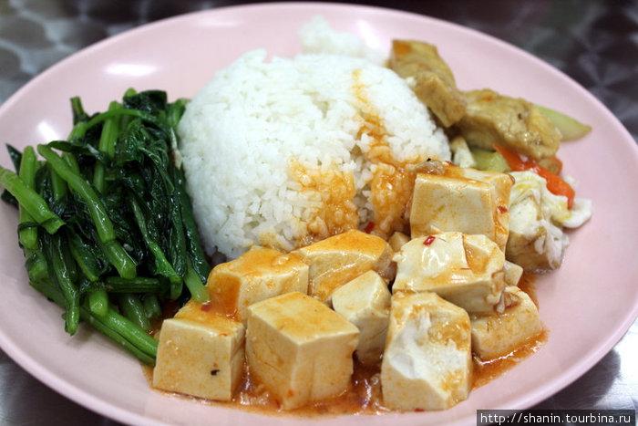 В китайском ресторанчике на Орчард Роад — готовят вкусно и недорого