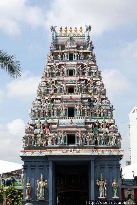 Гопурам индуистского храма