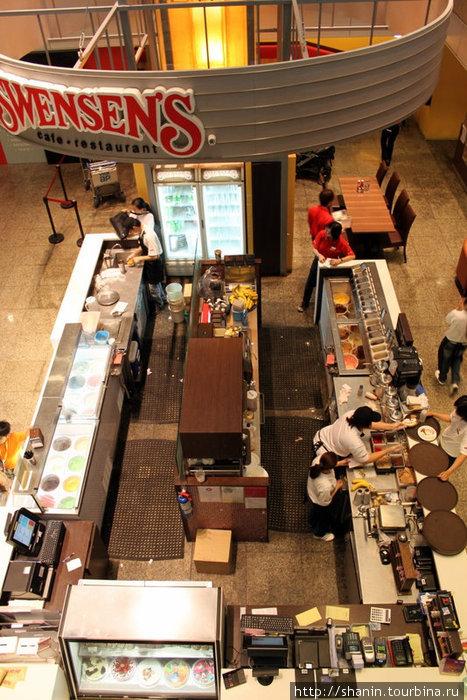 Кафе в сингапурском аэропорту