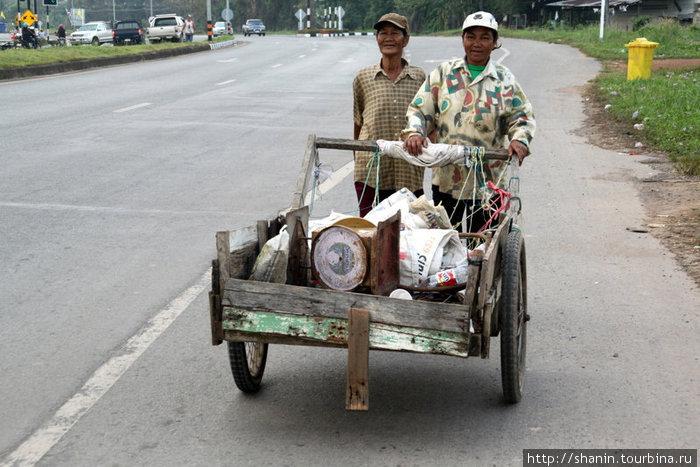 Транспортное средство на дороге