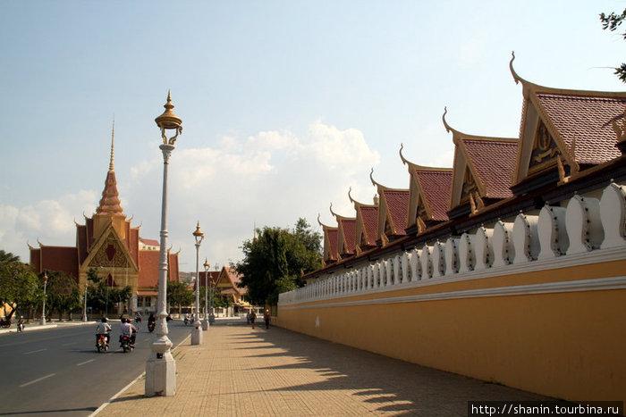 Стена буддистского вата