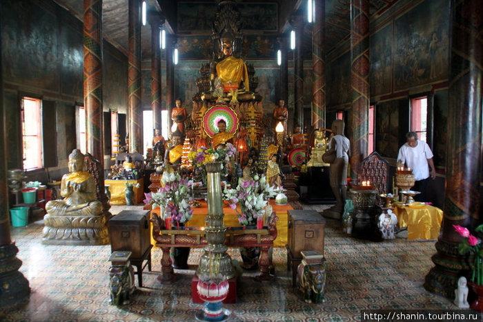 В храме монастыря вдовы Пень