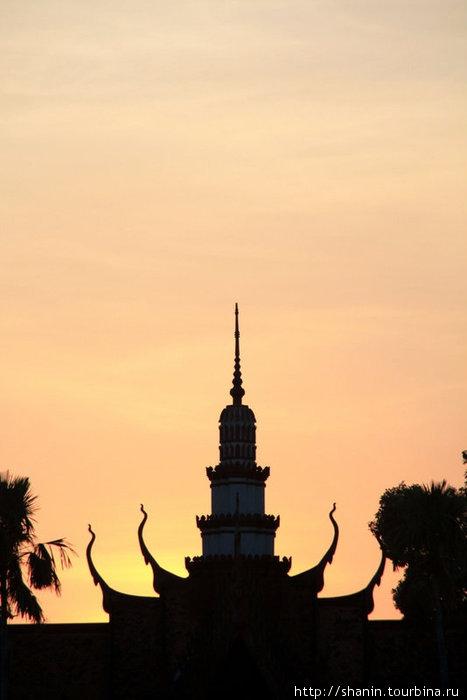 Закат над Королевским дворцом