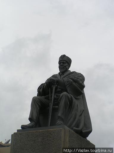 Памятник отцу нации