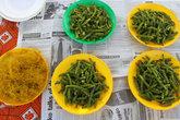 свежие морепродукты на свежей газете