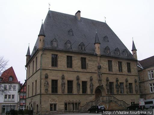 Главный фасад ратуши