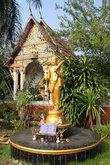 Монах и храм