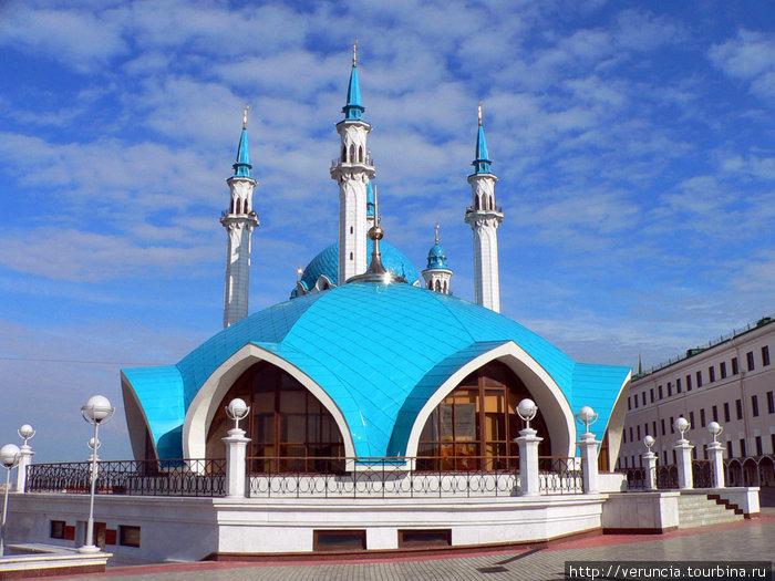 Сказочный шатер и мечеть Кул Шариф.