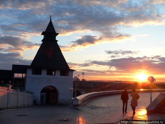 Закат над Кремлем.