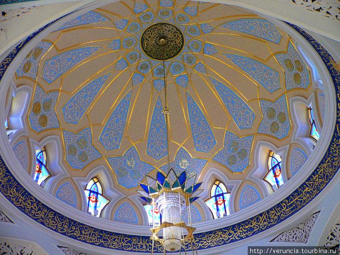 Под куполом мечети Кул Шариф.