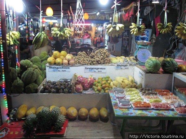 На фруктовых рынках у меня всегда разбегаются глаза