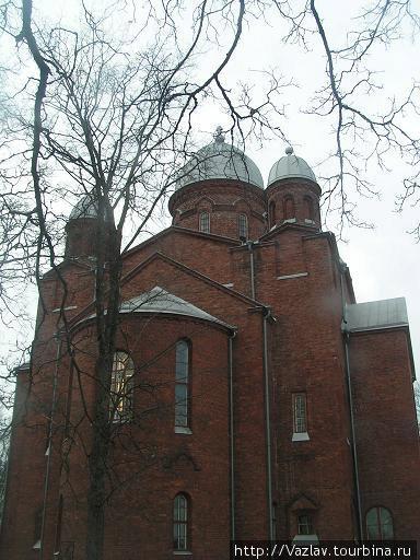 Православные купола лютеранского храма