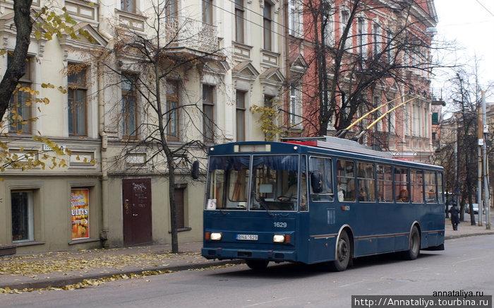 Вильнюсский синий троллейбус