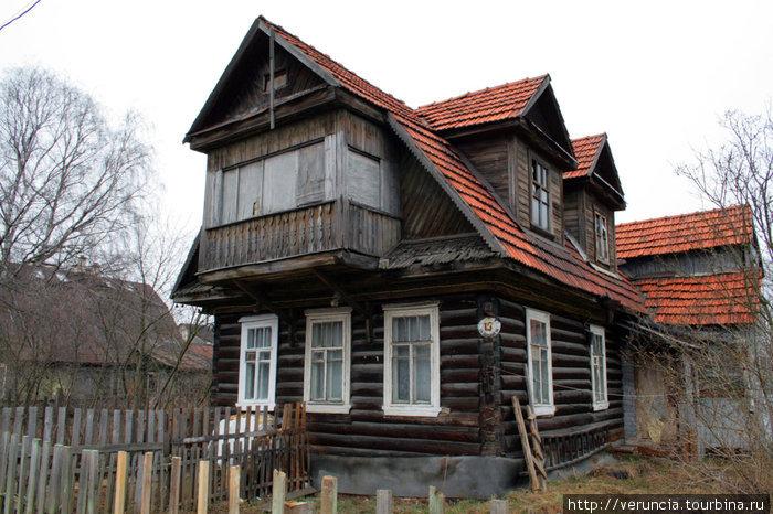 Дом конца 19 века постройки на 1-й Полевой улице.