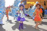 Не только взрослые, но и дети участвуют в Карнавале, конечно тоже в костюмах