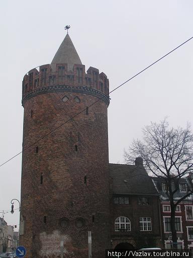 Башня во всей красе