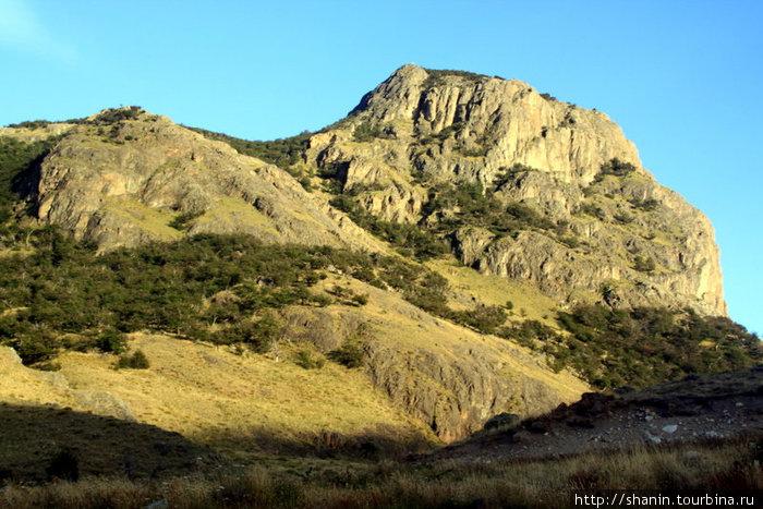 Трекинг в горах у Чалтена Лос-Гласьярес Национальный парк, Аргентина
