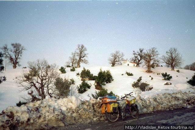 Снег в Турции. В один из первых дней.