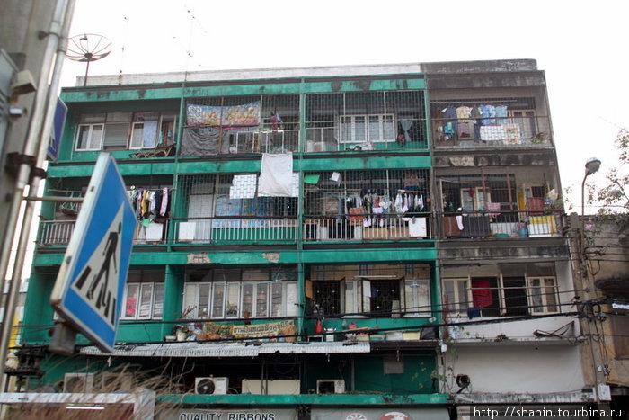 Обычный бангкокский дом