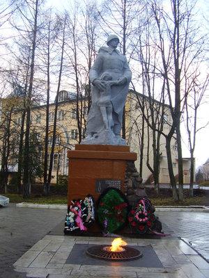Данилов-декабрь 2008. В аллее Славы