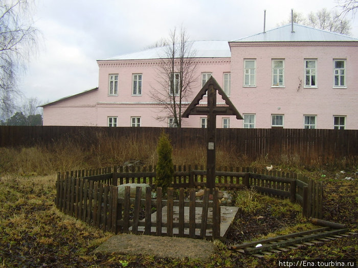 Данилов-декабрь 2008. У Казанского собора на Горушке
