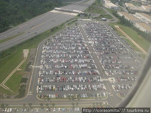 очень большая парковка:))