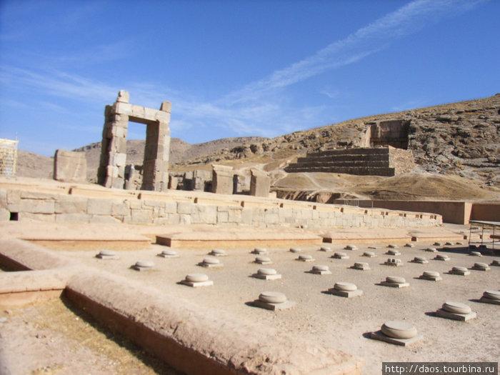Дворец Ксеркса с малыми колоннами