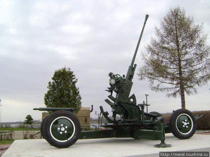 В 1941 — 1943 гг. бойцы зенитного полка с помощью таких орудий защищали рыбинское небо от немецких стервятников