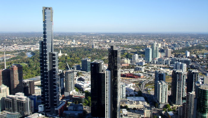 Слева  Eureka Tower (Башн