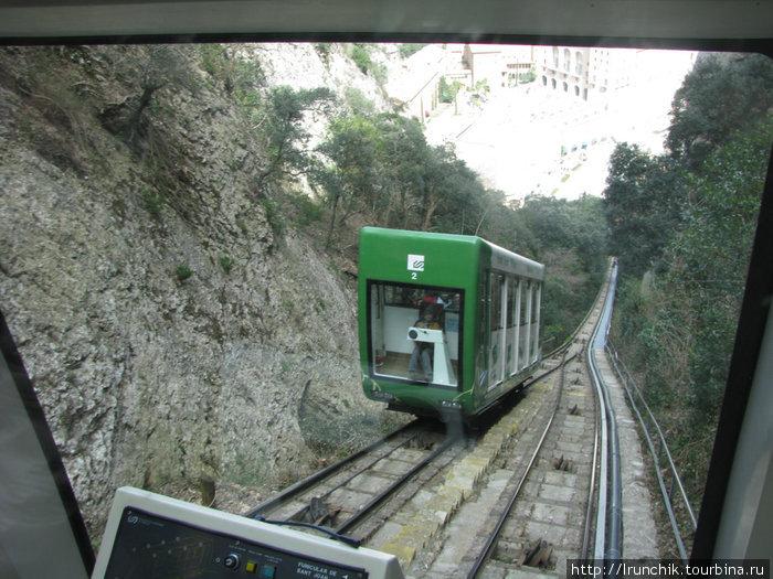 здесь поезда разъезжаются