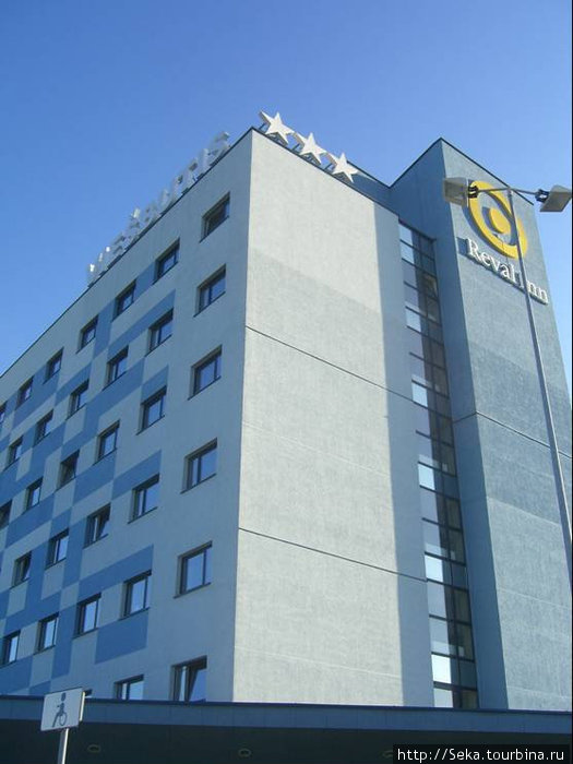 Отель снаружи