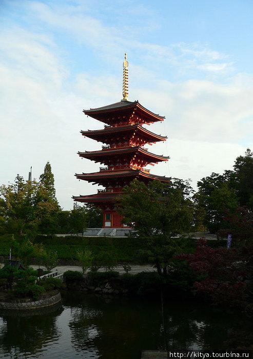 Пагода храма Нариайдзи