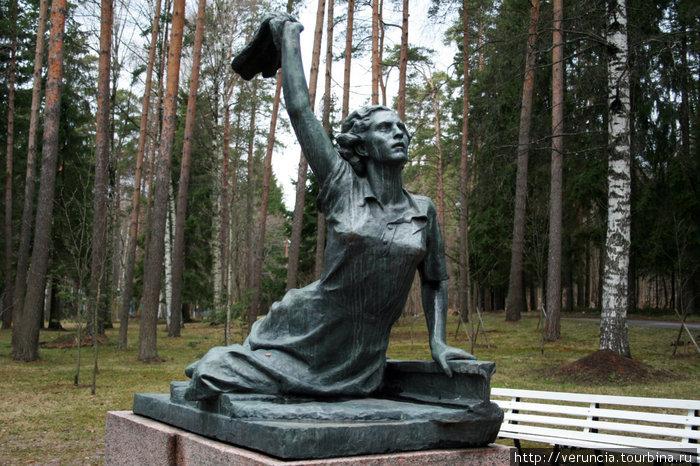 Памятник Раймонде Дьен.