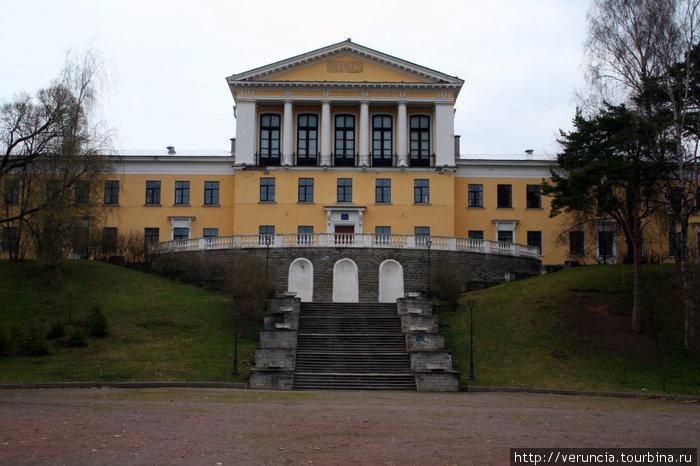 Сталинская школа.